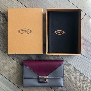 Tod's leather wallet in taupe and mauve